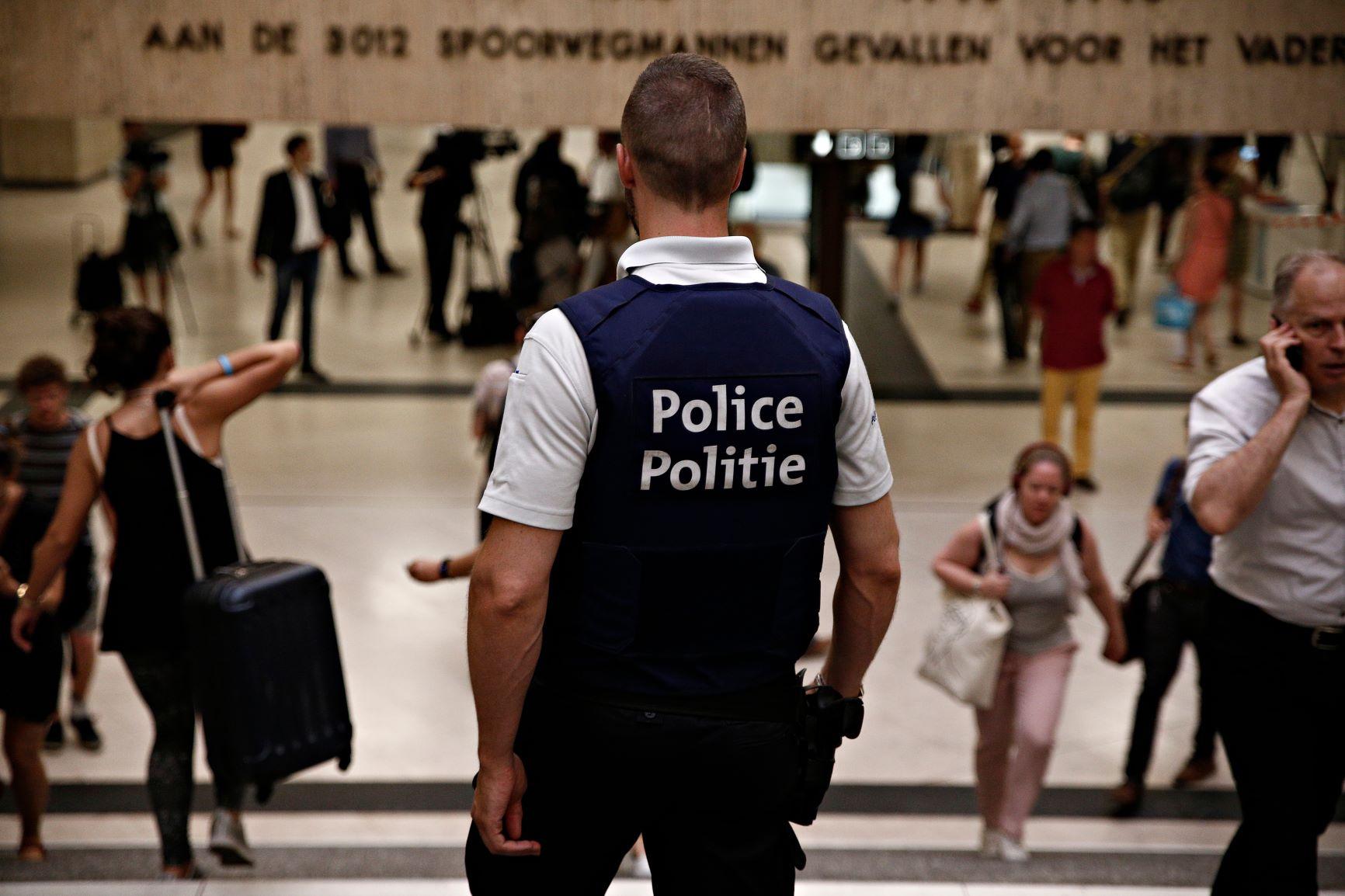 Bevordering van beveiligingsagenten en -assistenten naar het basiskader – vrijstelling van de module/cluster over geweldbeheersing